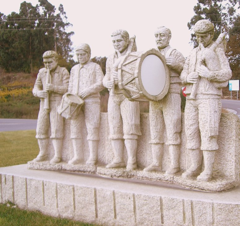 Banda de 5 gaiteiros situada en Pontearnelas (Pontevedra)