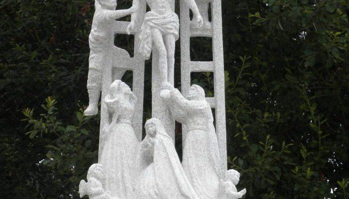 Cruz y capitel, réplica del Cruceiro de Hío